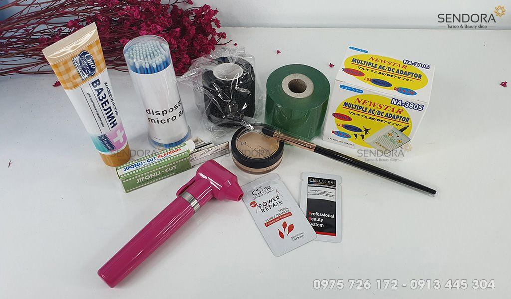 Một số dụng cụ khác sử dụng trong phun xăm như Kem nẻ Nga Vaseline - Ba3ennh; gói dưỡng da, môi và chân mày sau xăm CS Lab Power Repair Complex System;...