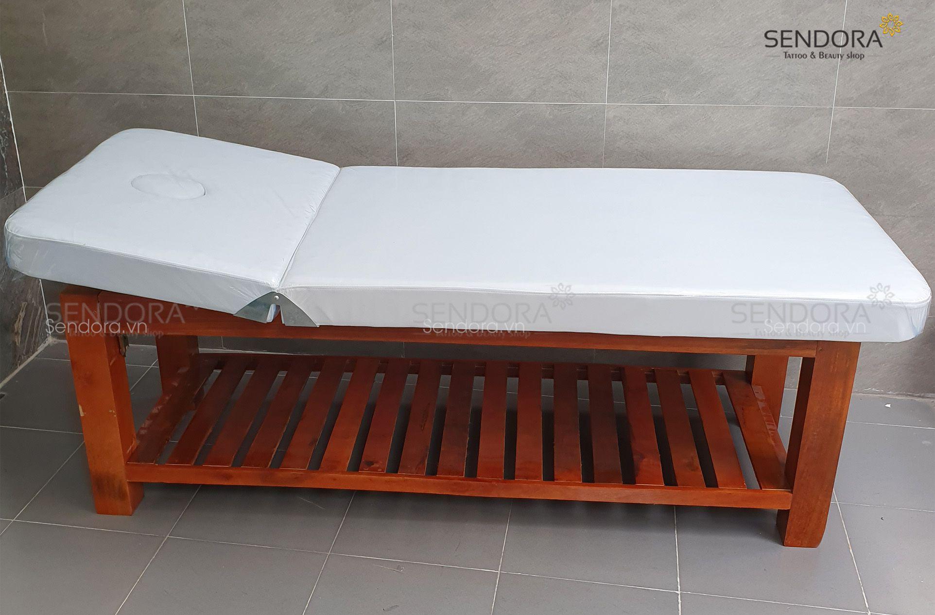 giường massage gỗ tràm chắc chắn