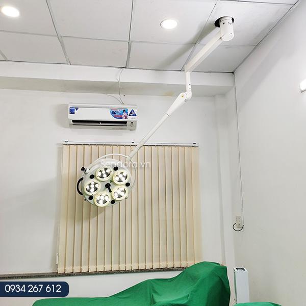 Đèn phẫu thuật treo trần 5 bóng LED HMSL-525LC dùng trong y tế