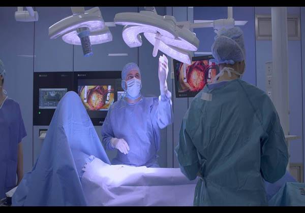 những loại đèn mổ chuyên dụng cho phẫu thuật thẩm mỹ