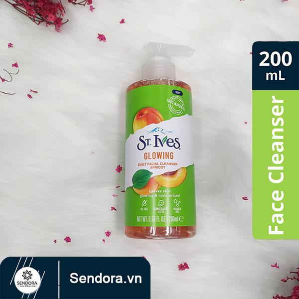Gel rửa mặt hương mơ ST. Ives chai 200ml chính hãng được phân phối tại Sendora.vn