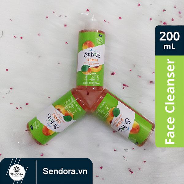 St. Ives Glowing Daily Facial Cleanser Apricot được chiết xuất 100% từ trái mơ tự nhiên, chai dung tích 200ml