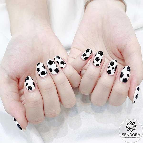 Bộ nail bò sữa - Mẫu nail dễ thương phổ biến nhất năm 2021