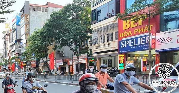 Đường Nguyễn Lương Bằng (Quận 7) đông đúc thích hợp để mở tiệm nail