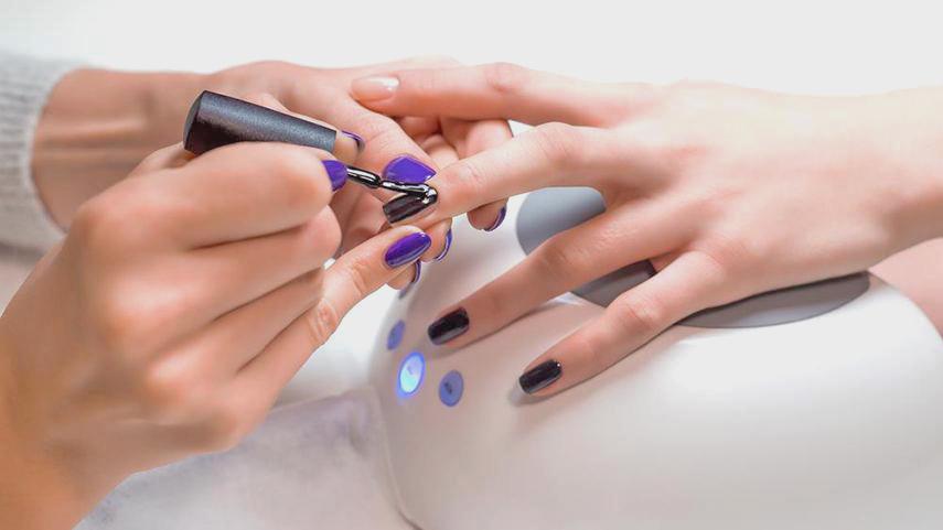 Hạn chế sơn móng tay để tránh nhiều bệnh nguy hiểm