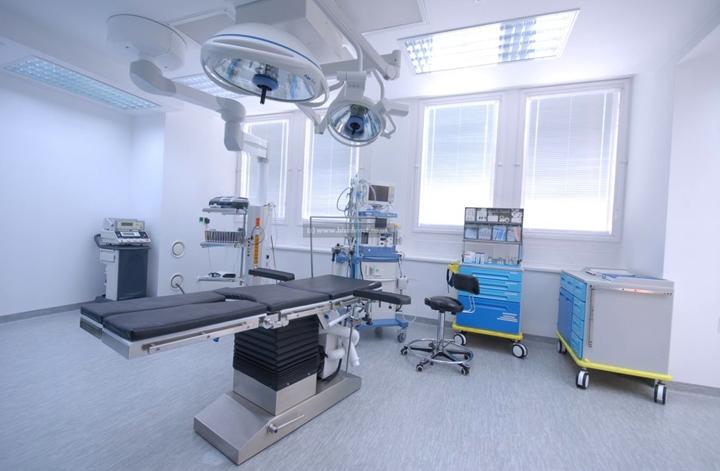 Lý do bàn mổ đa năng điện thủy lực được sử dụng rộng rãi tại các bệnh viện