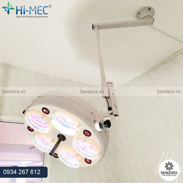 Đèn mổ phẫu thuật treo trần 5 bóng halogen không hắt bóng giá bao nhiêu