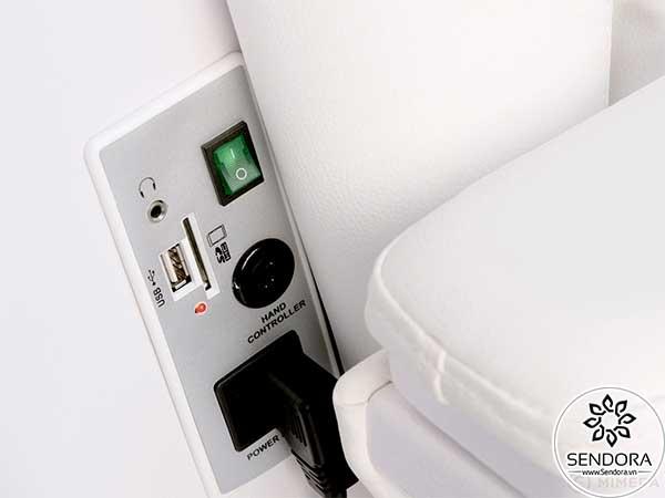 Cân nhắc có nên mua ghế nail massage hỗ trợ cổng sạc USB và jack cắm 3.5mm dành cho tai nghe MP3 có dây hay không