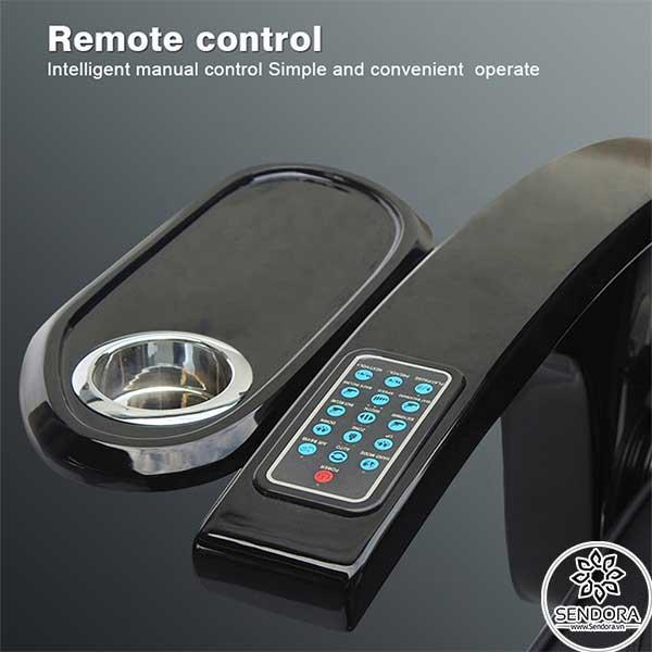 Remote điều khiển từ xa giúp kiểm soát hầu hết các chức năng trên ghế Spa Pedicure cao cấp Hi-MEC mẫu 4 như massage, ấn huyệt, nâng hạ lưng, hẹn giờ...
