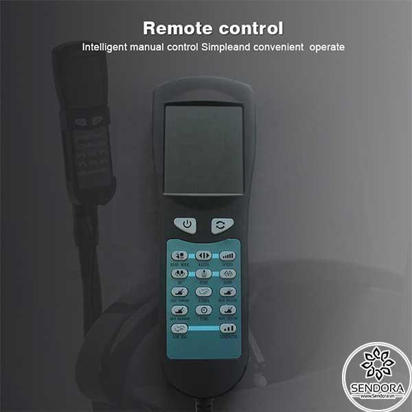 Remote điều khiển từ xa cho phép kiểm soát hầu hết các hoạt động chủ yếu của ghế như massage, ngả lưng, bật túi khí...