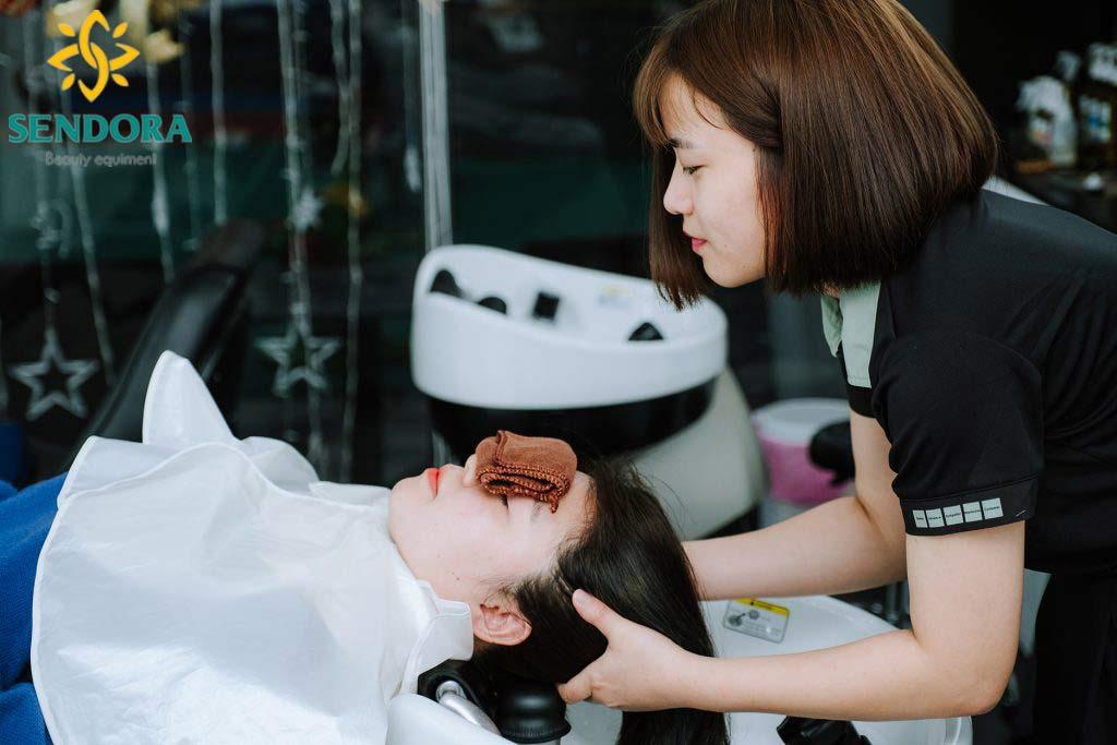 Gội đầu massage thư giản hiện nay